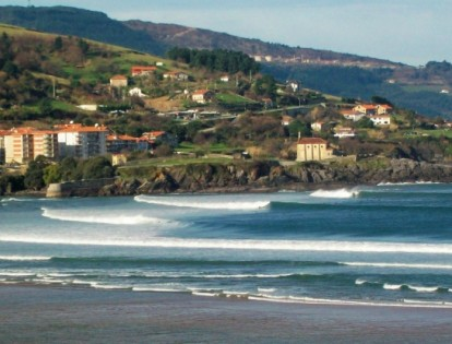 12 Mundaka, North Coast Spain